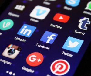 Afhængig af sociale medier